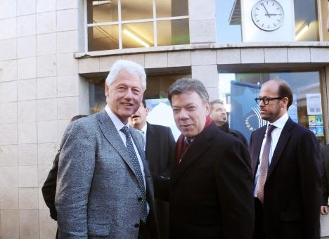El Presidente Juan Manuel Santos se reunió este jueves con el ex Presidente de Estados Unidos, Bill Clinton, en Davos (Suiza), en desarrollo de la agenda de trabajo que cumple durante su participación en el Foro Económico Mundial.