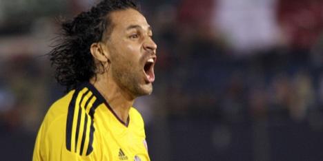 Con gol de Mario Alberto Yepes, Colombia empata el encuentro.
