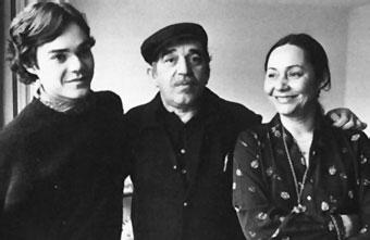 gabriel garcia marquez con su hijo y esposa